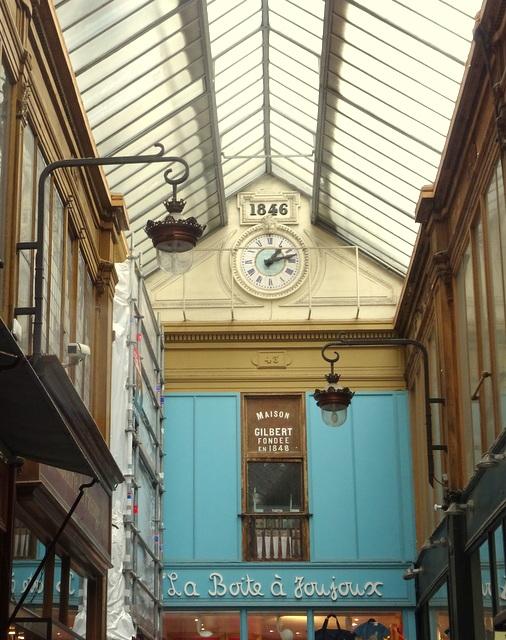 La célèbre horloge du passage Jouffroy datant de 1846
