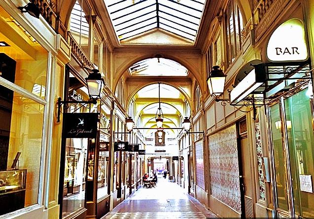 Les Passages Couverts parisiens, le charme d'autrefois