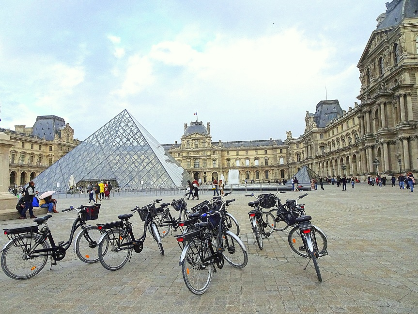 Paris à pieds ou à vélo, de l'Opéra Garnier à la Pyramide duLouvre
