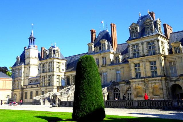 Le château de Fontainebleau, demeure des rois deFrance