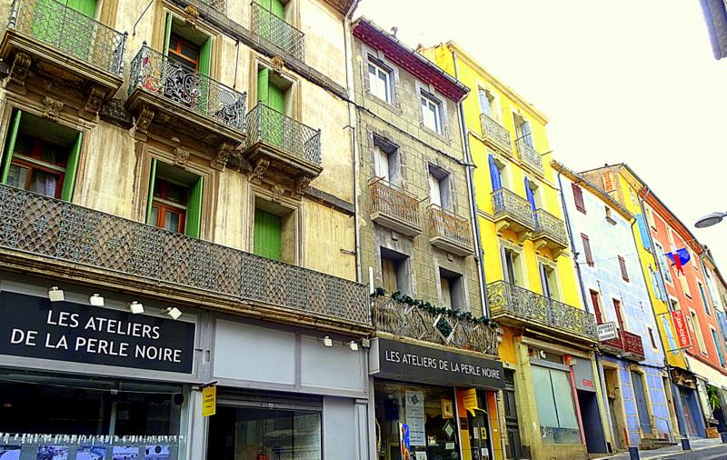 La cité d'Agde, perle noire de laMéditerranée